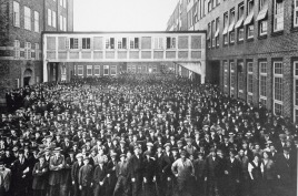 factory-workers.jpg